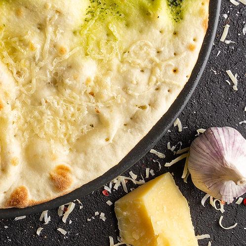 Фоккача с сыром и чесноком 30см