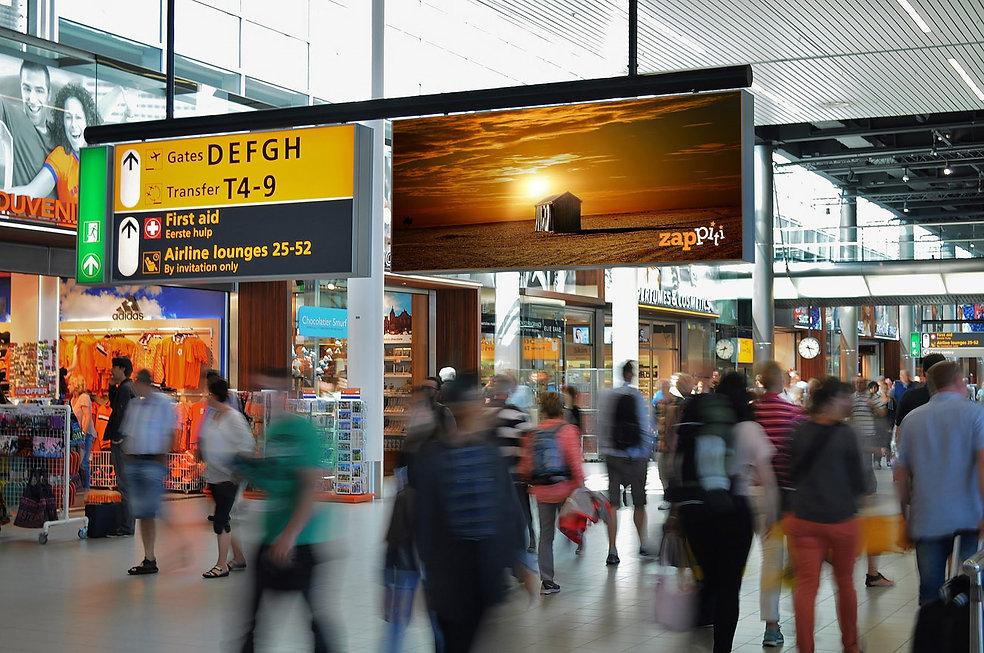 zappiti-digital-signage-airport-1300x863