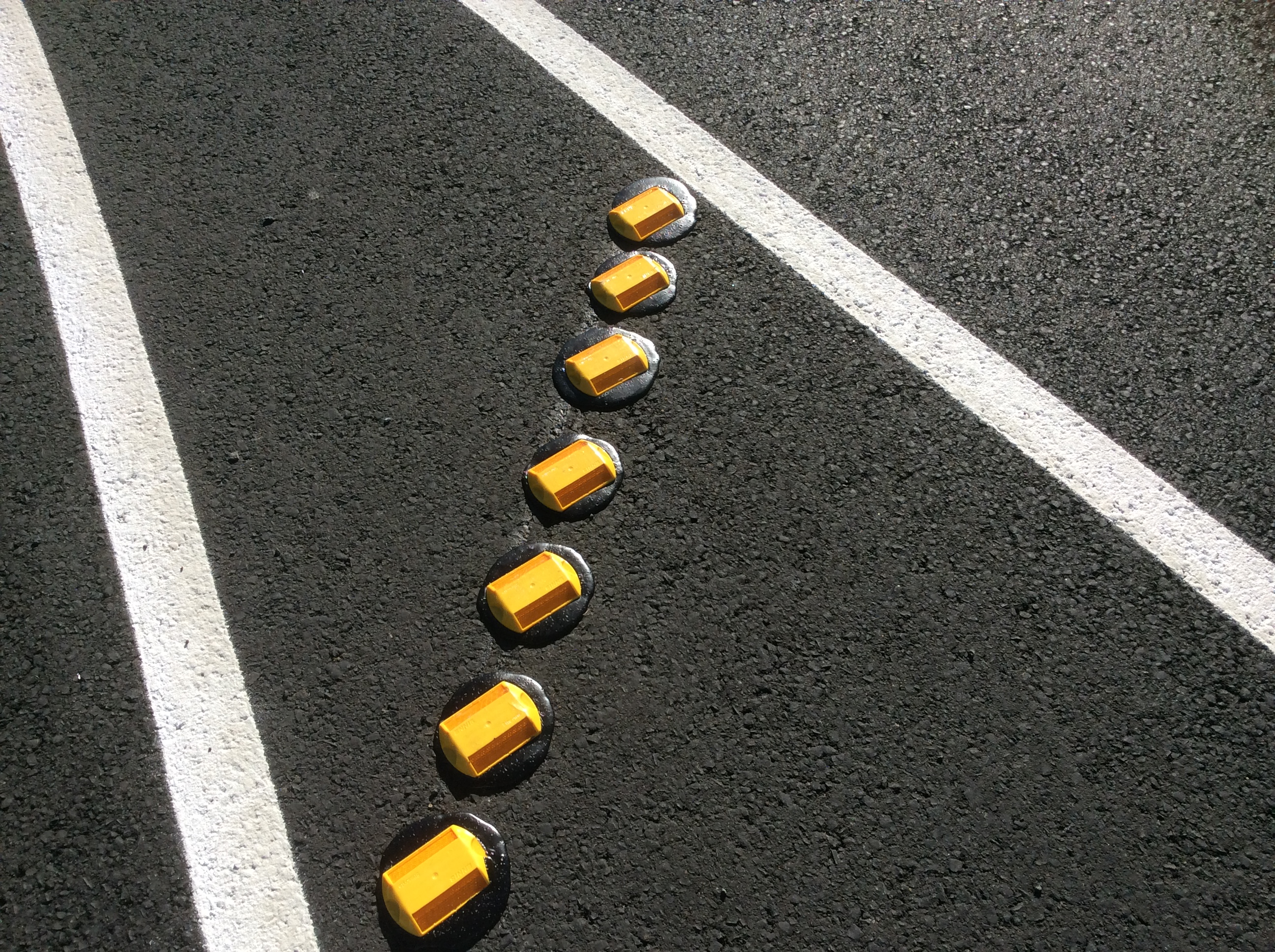 Raise Reflective Pavement Markers