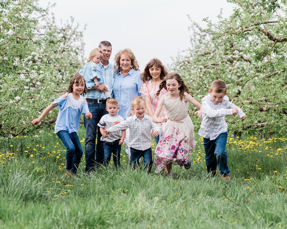 Lifestyle Family Session in the Orchard