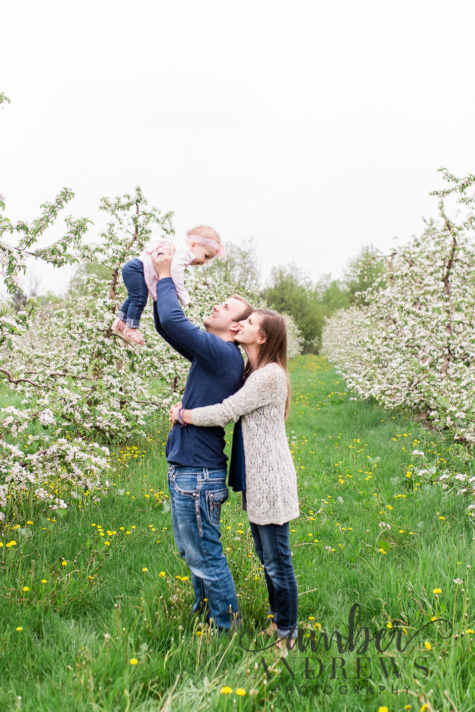 Blooming Orchard Mini Sessions!