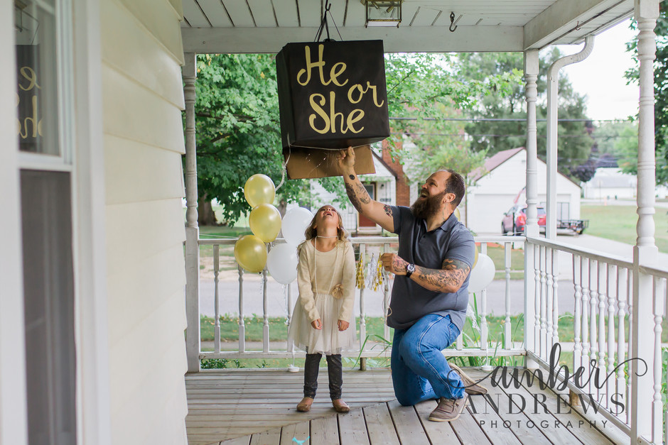 He or She Gender Reveal Photo Shoot!