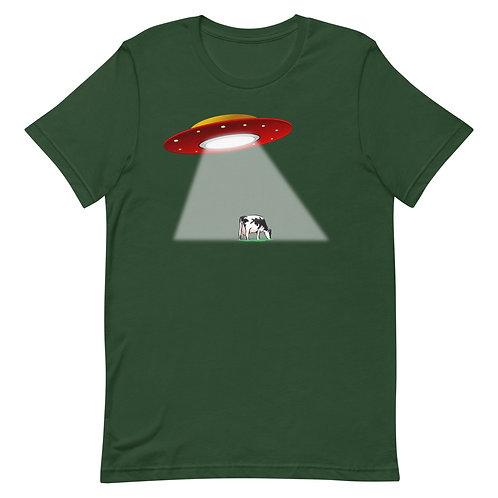 Alien ship over a cow Unisex T-Shirt