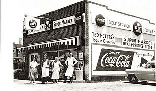 First Supermarket in Dallas, owned by Te
