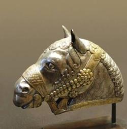 At başı, Sasani Sanatı
