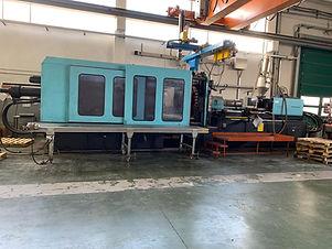 Real press 1100 TON. macchinari usato industriale machinery moulding plastic