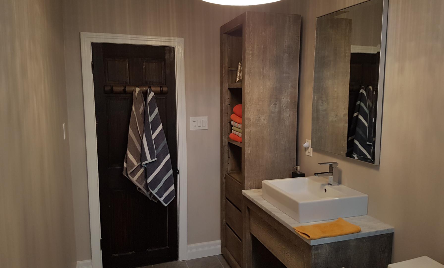 Brendan Bathroom (2/2)