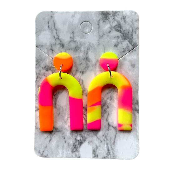 Marbled neon arch dangles