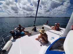 Sortie catamaran famille fonds blancs