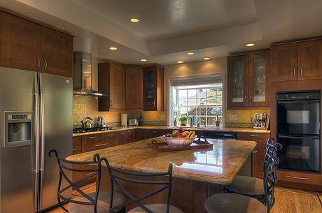 Medium Brown Shaker Kitchen