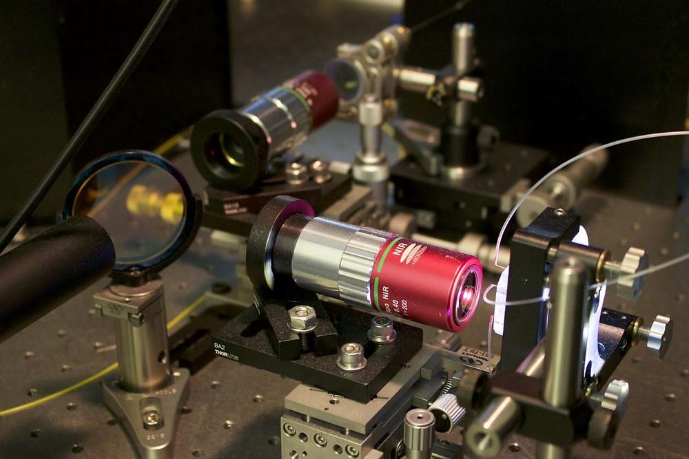 Photonictimestretchmicroscope
