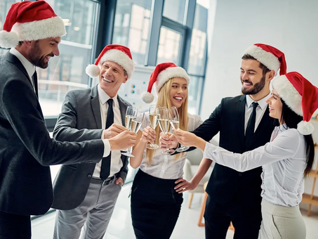 What to Know Before Starting Your Holiday Networking