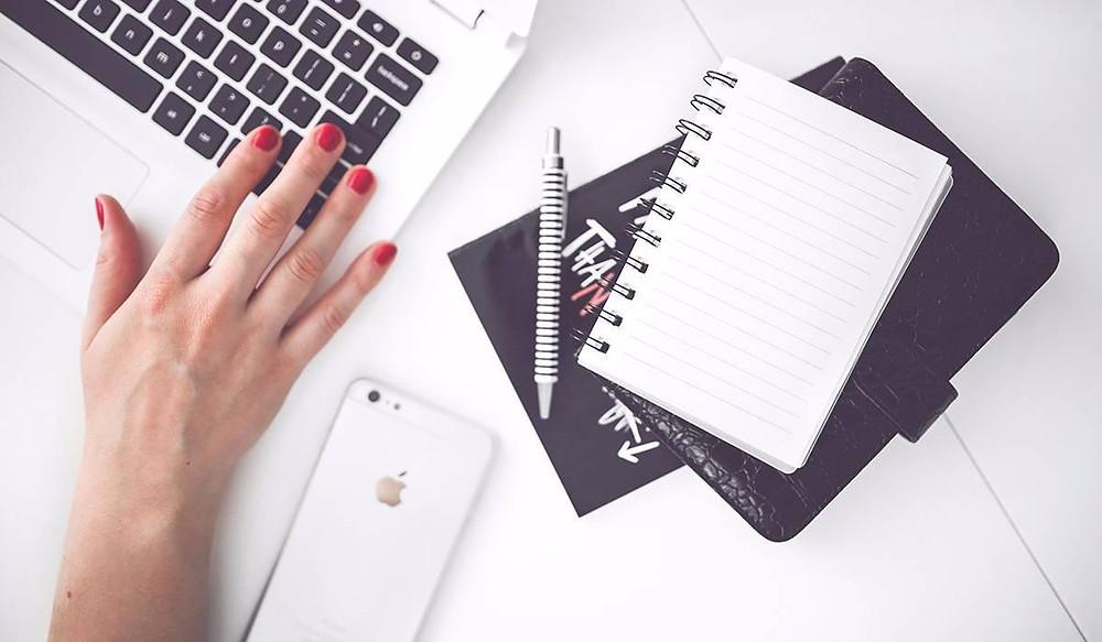 desk-white