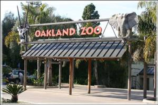 Entrance-to-the-Oakland-Zoo-