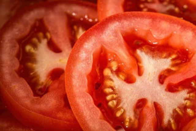 tomato-769999_640-640x426