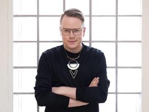 90. Fredagsintervjun med Jesper Petersson.