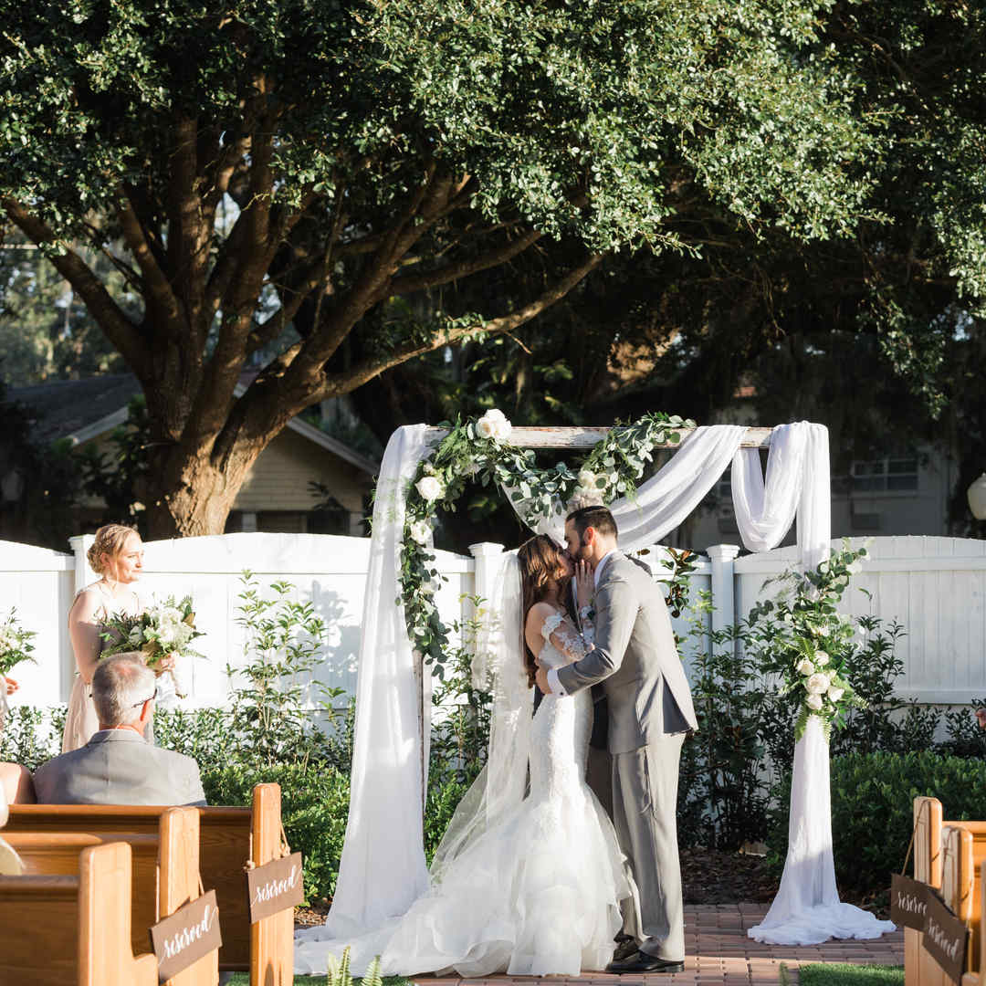 Venue 1902: Timeless Elegance, with live music!