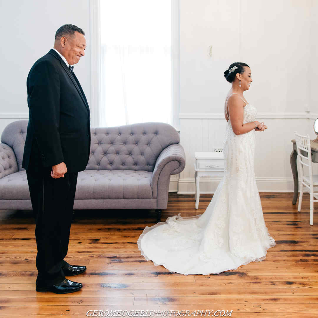 Father Daughter first look in the Bridal Suite