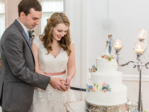 Venue 1902 -Wedding Cake: The evolution from sprinkling crumbs to cake smashing