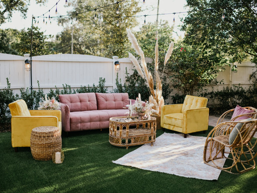 2021 Wedding Trends- Lounge Seating,  Hedge  Walls and Signature Drinks, Oh My!
