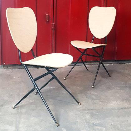 Paire de chaises dans l'esprit de Geneviève Pons