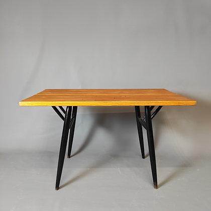 Table Ilmari Tapiovaara