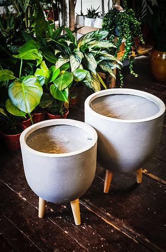 Grey pot on legs