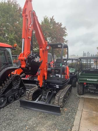 New KX71-3S4R1 EXCAVATOR W/RUBBER TRKS/CANOPY