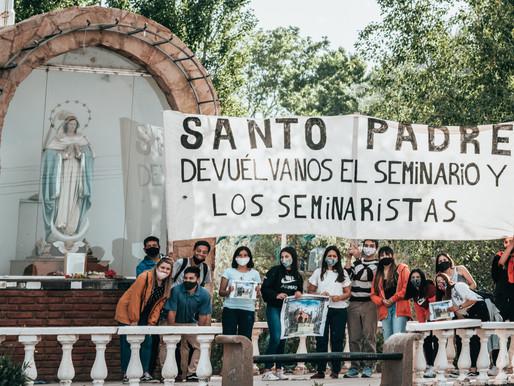 CARAVANAS PIDIENDO POR EL SEMINARIO