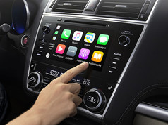 Apple CarPlay*2e Android AutoTM*3