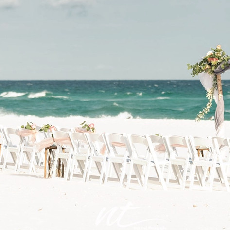 Dark Grey and white set this abor off with a statement on Navarre Beach