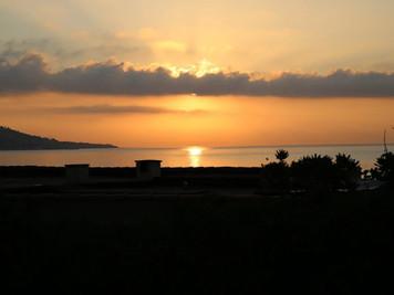Восход солнца. Вид с террасы Бали