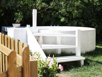 Джакузи в саду
