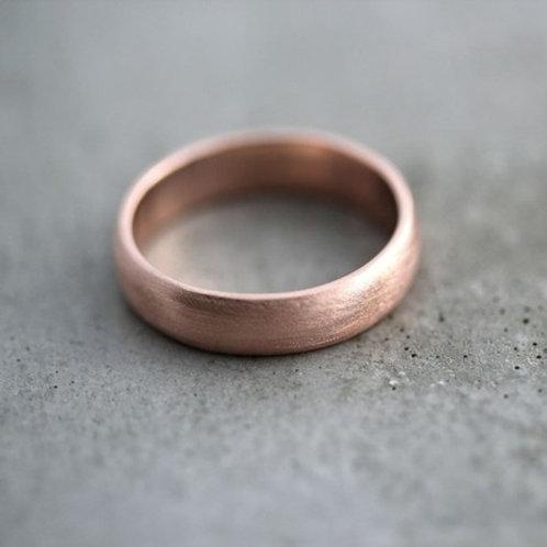 Matt D-shape 9k gold wedding band- 4mm
