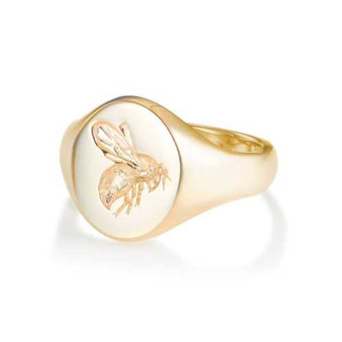 BEE signet ring- 9k gold