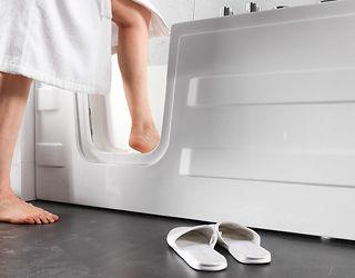 Vasca Da Bagno Easylife : Vasca da bagno con seduta vasca da bagno a incasso cassia in
