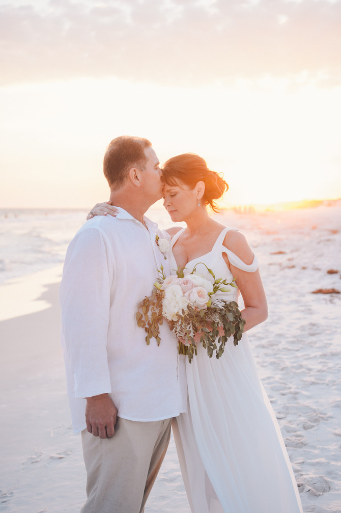 a Watercolor FL Elopement | Seaside FL photographers | 30A Weddings