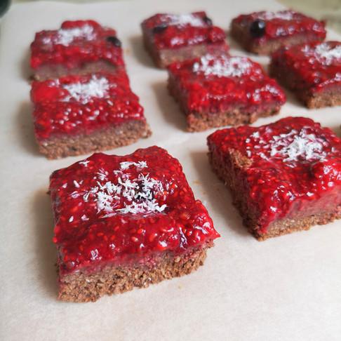 Brownie cru chocolat coco et fruits rouges vegan sans gluten