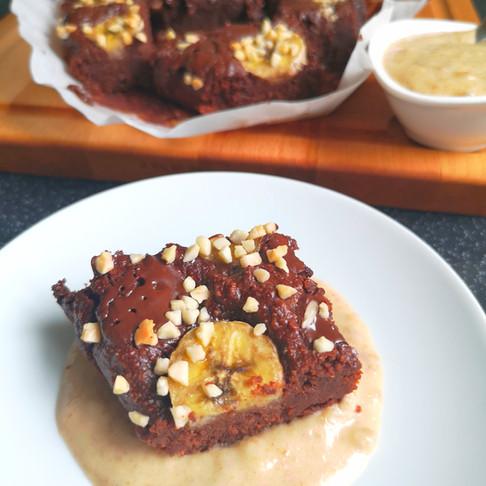 Brownie vegan et crème caramel de dattes sans sucre sans gluten