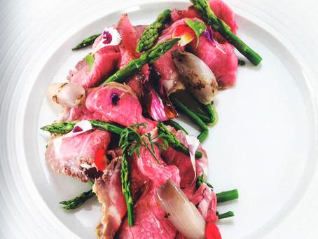 BBQ Sale per carni rosse – Roast beef con scalogno confit e asparagi