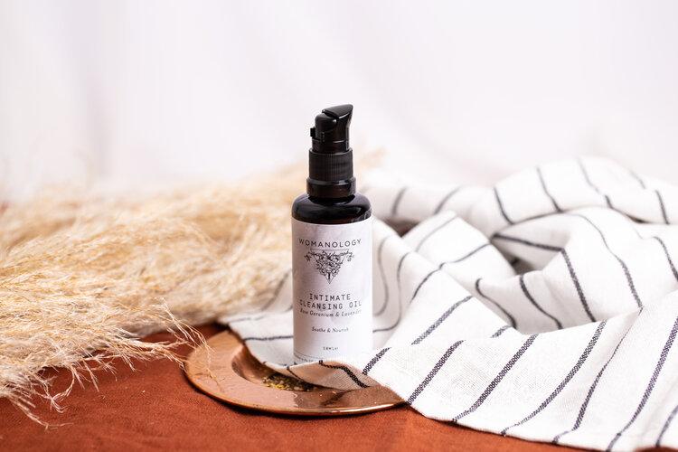 Intimate Cleansing oil - Rose Geranium & Lavender