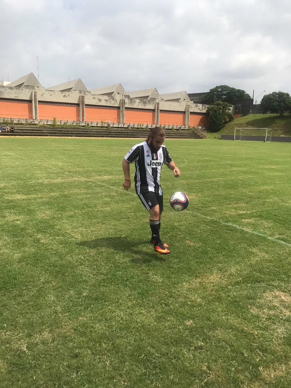 Futebol Caio Milane 9