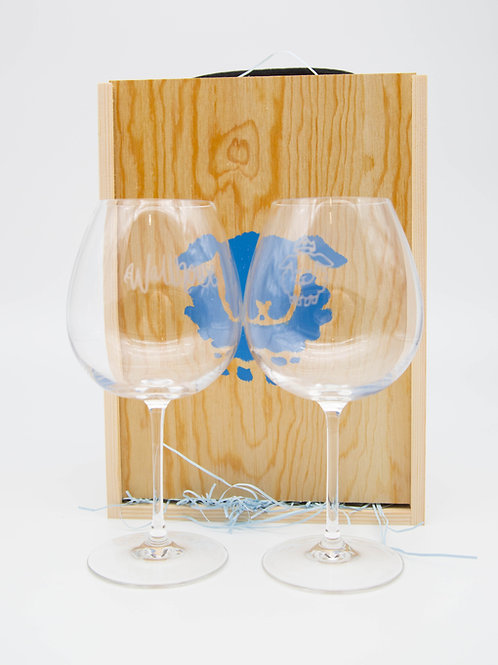 Handmade gift box with two branded glasses.