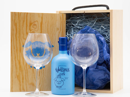 Stunning gift box with a bottle of 'Wally' and two beautiful glasses.