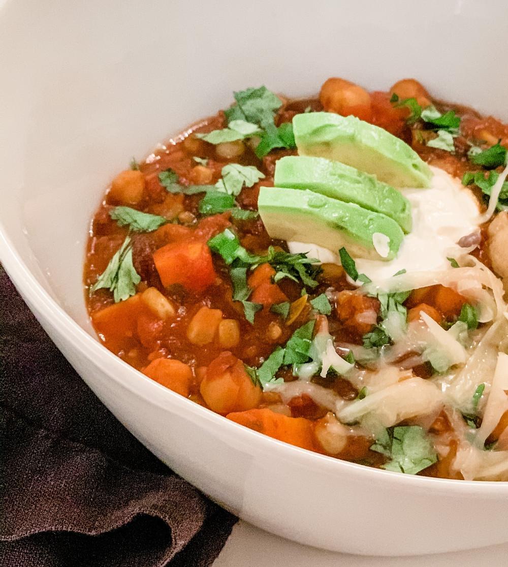 vegetarian chili, three bean chili, black bean chili, vegan chili, garbanzo bean chili