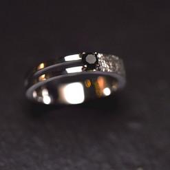 diamant noir et or blanc.jpg