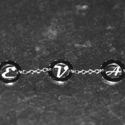 Bracelet_Prénom_Or_blac_750.jpg