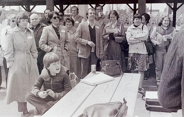 thumbnail_irish_fest_signing_25april1981