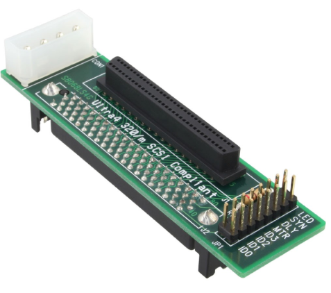 Adattatore SCSI-SCA U320 IDC 80pin femmina a 68pin mini Sub D femmina
