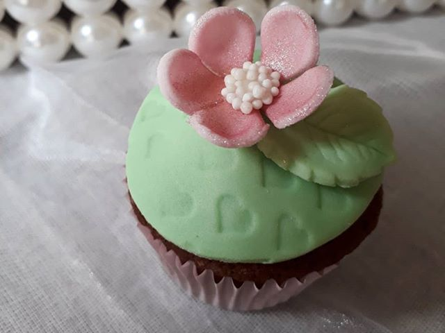 Cupcake personalizado ❤_#chadebebe #camp